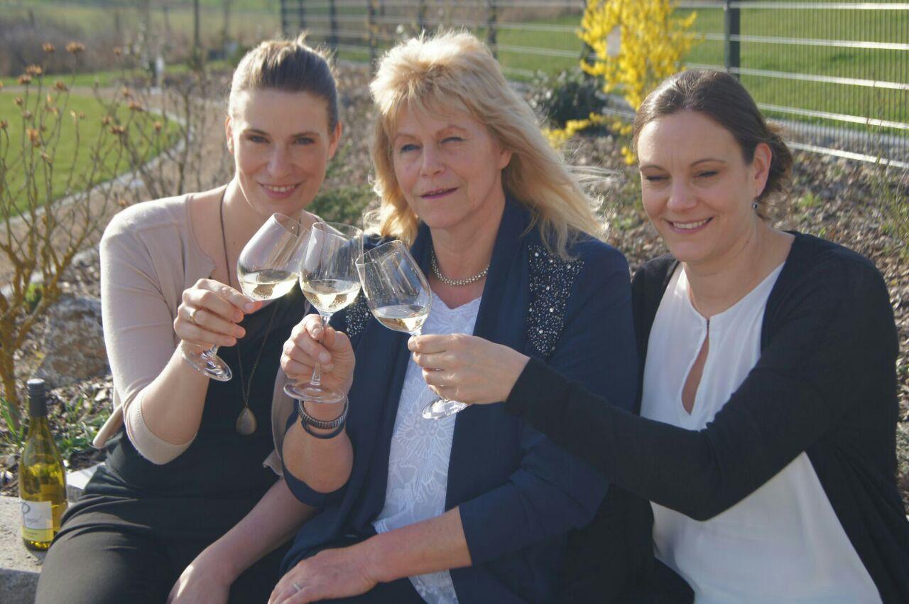 Frauen der Winzerfamilie
